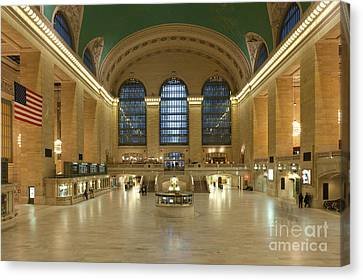Grand Central Terminal I Canvas Print by Clarence Holmes