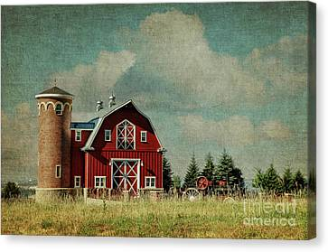 Greenbluff Barn Canvas Print by Beve Brown-Clark Photography