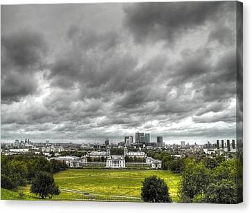 Greenwich And Docklands Hdr Canvas Print by David French