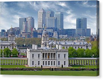 Canvas Print featuring the photograph Greenwich by Rod Jones