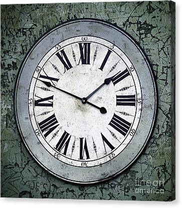 Grungy Clock Canvas Print by Carlos Caetano