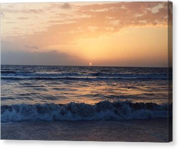 Canvas Print featuring the photograph Gulf Coast Sunset by Lynnette Johns