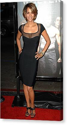 Halle Berry Wearing A Herve Leroux Canvas Print by Everett