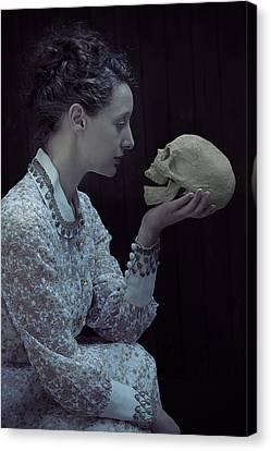Hamlet Canvas Print by Joana Kruse
