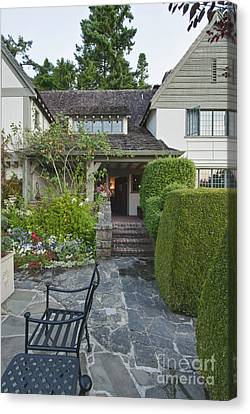 Hastings House Garden Canvas Print by Rob Tilley
