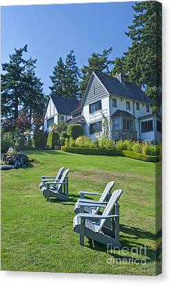 Hastings House Lawn Canvas Print by Rob Tilley