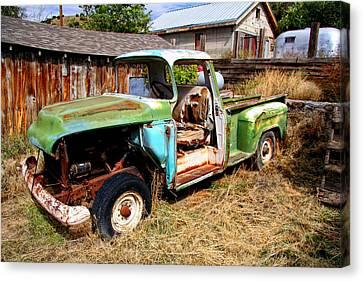 Hdr Old Truck Canvas Print by Joe Myeress