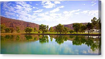 Heavitree Gap Reflected Canvas Print by Paul Svensen