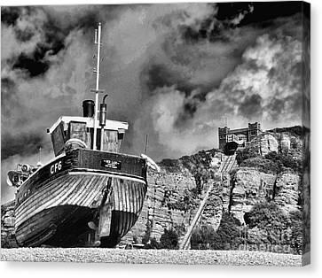 High And Dry 2 Canvas Print by Graham Taylor