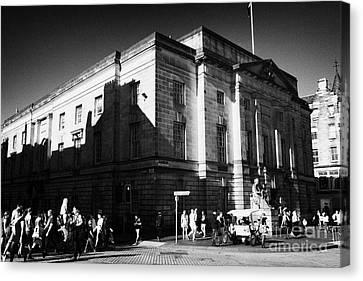 High Court Of Justiciary Lawnmarket Royal Mile Old Town Edinburgh Scotland Uk United Kingdom Canvas Print by Joe Fox