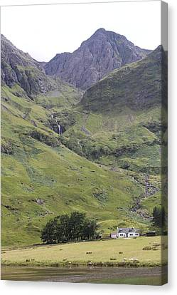 Canvas Print featuring the photograph Highland Pass by David Grant