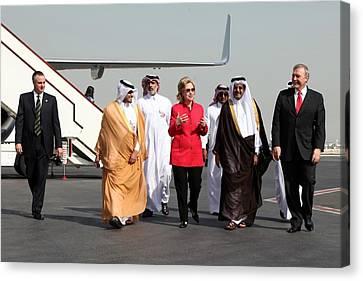 Hillary Clinton With Us And Qatari Canvas Print