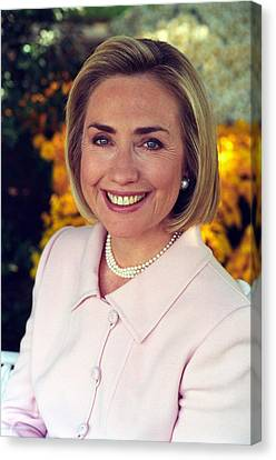 Hillary Rodham Clinton In A White House Canvas Print by Everett