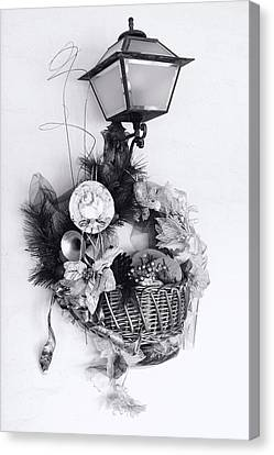 Holiday Basket On Lamp Bw Canvas Print by Linda Phelps