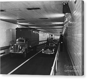 Holland Tunnel, Nyc Canvas Print by Photo Researchers