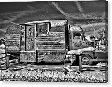 Home On Wheels - Bw Canvas Print by Christopher Holmes
