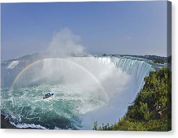 Horseshoe Falls And The Maid Canvas Print by Darwin Wiggett