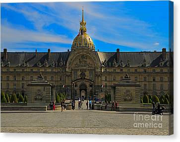 Hotel Des Invalides Canvas Print by Louise Heusinkveld