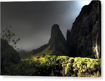 Iao Mountains Canvas Print