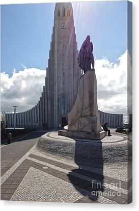 Iceland Leif Erricson Statue 02 Canvas Print by Gregory Dyer