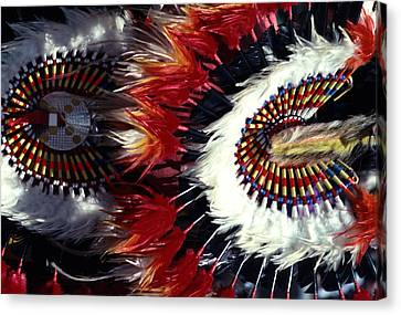 Canvas Print featuring the photograph Indian Headdress by Tom Wurl
