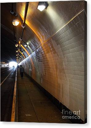Inside The Stockton Street Tunnel In San Francisco . 7d7363.1 Canvas Print by Wingsdomain Art and Photography