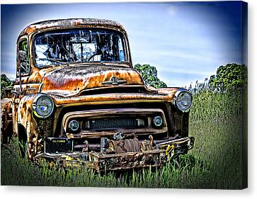 International Truck Alone And Rusting Canvas Print by William Havle