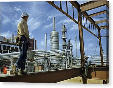Iron Workers Erect A New Building Canvas Print