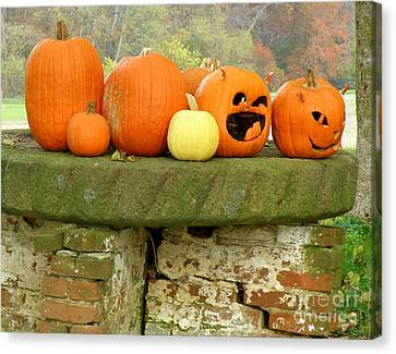 Canvas Print featuring the photograph Jack-0-lanterns by Lainie Wrightson