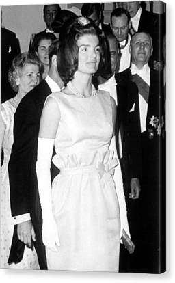 Jacqueline Kennedy At A Dinner To Honor Canvas Print by Everett