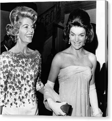 Jacqueline Kennedy With The Wife Canvas Print