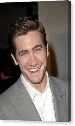 Jake Gyllenhaal At Arrivals For Jarhead Canvas Print by Everett