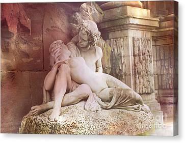 Jardin Du Luxembourg Gardens - Medici Fountain Lovers Canvas Print