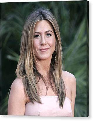 Jennifer Aniston At Arrivals For The Canvas Print by Everett