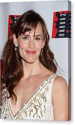 Opening Night Canvas Print - Jennifer Garner Wearing An Oscar De La by Everett
