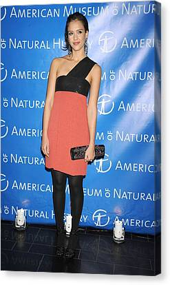Jessica Alba  Wearing A Narciso Canvas Print by Everett