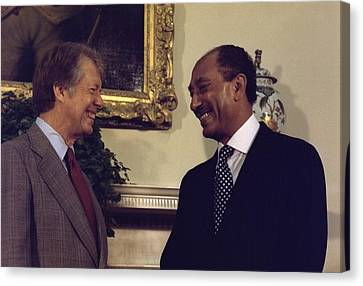 Jimmy Carter With Egyptian President Canvas Print by Everett