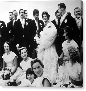 John F. Kennedy And Jacqueline Bouvier Canvas Print by Everett
