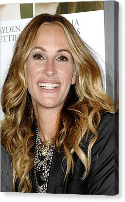 Julia Roberts At Arrivals For Fireflies Canvas Print by Everett