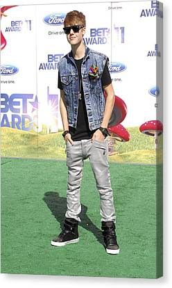 Justin Bieber At Arrivals For 2011 Bet Canvas Print by Everett