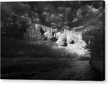 King's Arthur's Castle Canvas Print by Matt Nuttall