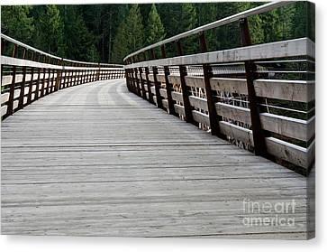 Kinsol Walkway Kinsol Trestle Pathway Across The Railroad Bridge Restored Canvas Print