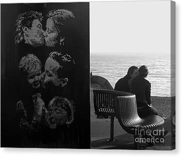 Kissing Couples Canvas Print by Karin Ubeleis-Jones