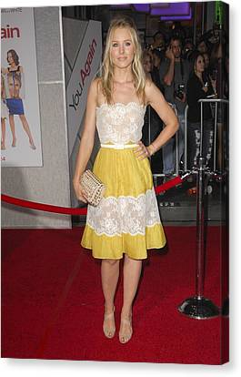 Kristen Bell Wearing A Valentino Dress Canvas Print