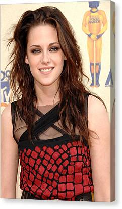 Kristen Stewart At Arrivals For 2009 Canvas Print by Everett