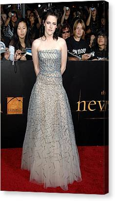 Kristen Stewart Wearing An Oscar De La Canvas Print by Everett
