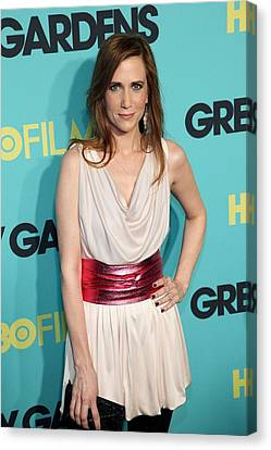 Kristen Wiig At Arrivals For Grey Canvas Print