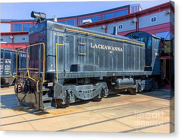 Lackawanna Locomotive 426 Canvas Print by Clarence Holmes