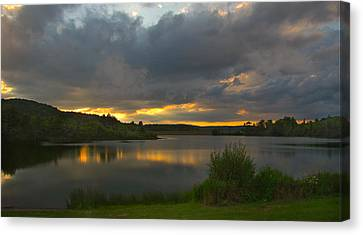 Canvas Print featuring the photograph Lakeside Sunset by Cindy Haggerty
