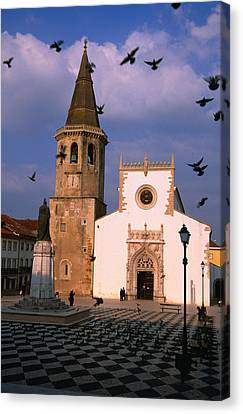 Late 15th Century Igreja De Sao Joao Baptista Facing Praca Da Republica, Tomar, Ribatejo, Portugal, Europe Canvas Print
